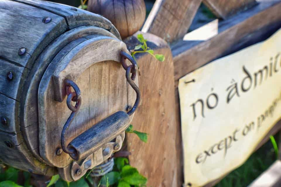 """picture of the mailbox and 'no admittance"""" sign at Bilbo's hobbit house on the Hobbiton movie set tour"""